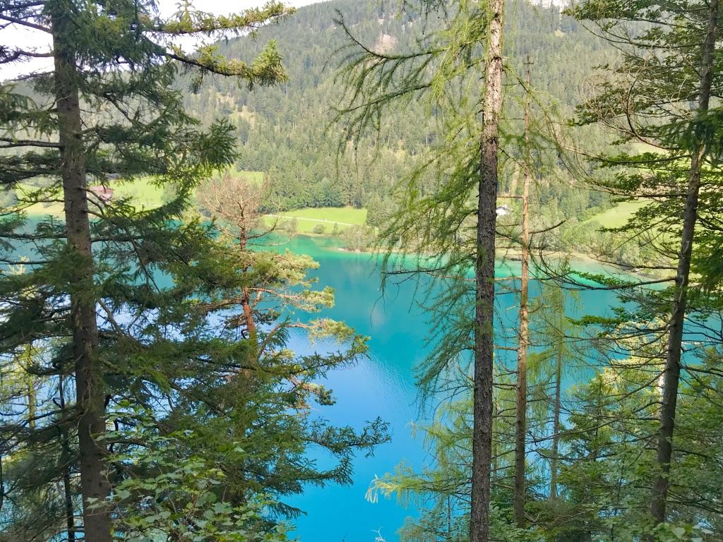 Türkises Wasser: Der Hintersteiner See