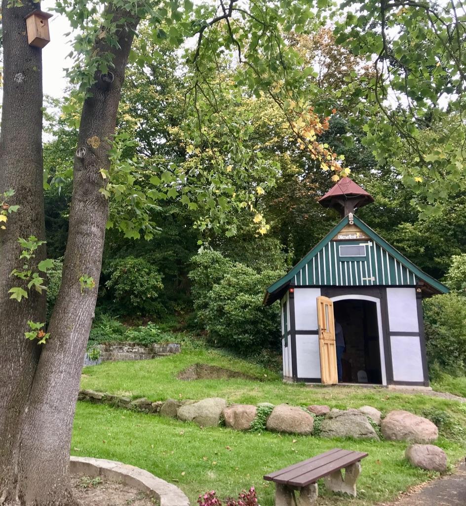Das Backhaus für Outdoor-Küchen-Events am Dorfplatz in Bavenhausen.