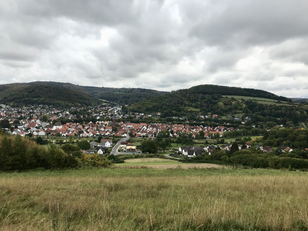 Osterbergweg: Blick ins Emmertal
