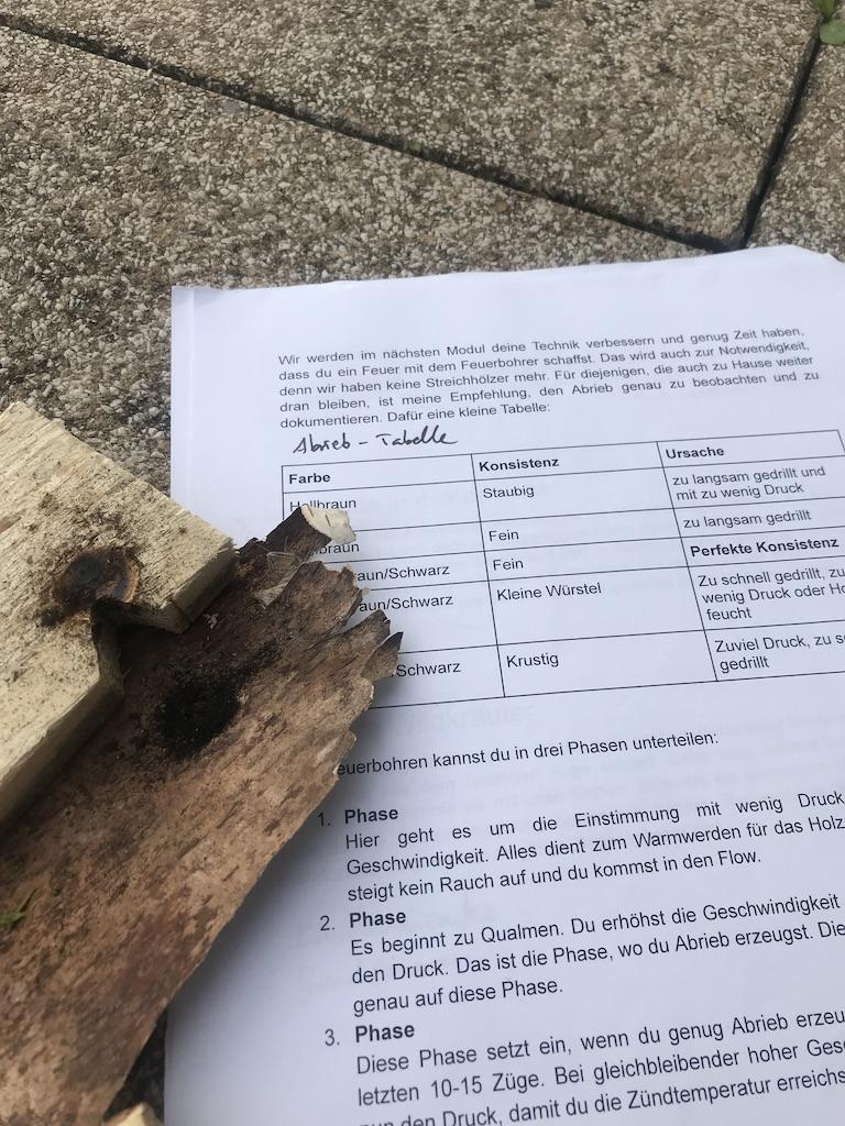 wildnispaedagogik-ausbildung-feuerbohren-aufgabe-fuer-zuhause
